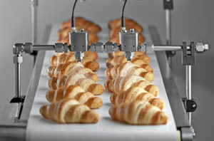 BETE-FlexFlow-Precision-Spray-Control-System-with-Electric-HydroPulse-Automatic-Spray-Nozzles-Bakery-Conveyor-Coating