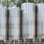 Cleaning-Mid-Sized-Industrial-Tanks